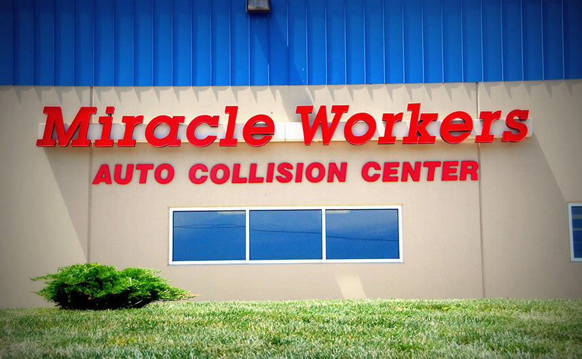 Home - Miracle Workers Auto Collision Center - Lincoln, Nebraska